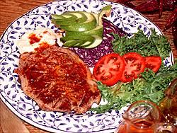 Filet amb salsa vermella