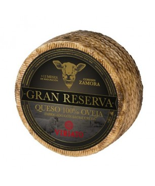 Cured-dry cheese Viriato Gran Reserva with raw sheep milk
