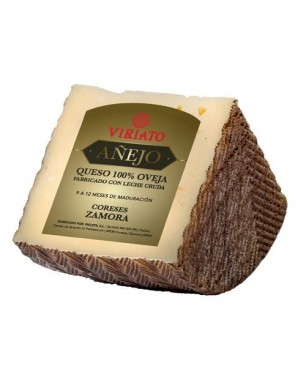 Dry cured Cheese Viriato Añejo with raw sheep milk - quarter
