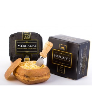 Añejo Mahón cheese Mercadal with pasterized cow milk, D.O. Mahon - WHOLE 700 g