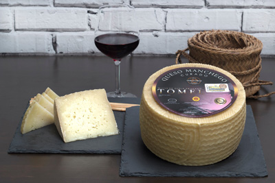 Tomelloso manchego cheese, sheep cured dry