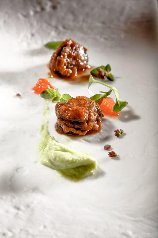 Zamburiñas con guacamole y tomate