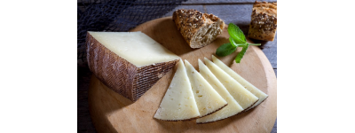 How to pair the different types of cheeses?